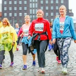 SEB Tallinna Maratoni Sügisjooks 10 km - Kristo Veinberg (475), Marilin Ristikivi (10538), Kaidi Unas (10728)