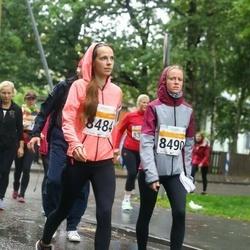 SEB Tallinna Maratoni Sügisjooks 10 km - Tiiu Reinumäe (8484), Britta Reinumäe (8490)