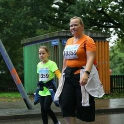 SEB Tallinna Maratoni Sügisjooks 10 km - Arle Kõressaar-Vallimaa (10358), Birgith-Carina Vallimaa (10359)