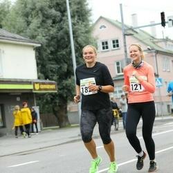 SEB Tallinna Maraton - Anneli Teelahk (1211), Karin Täär (1822)