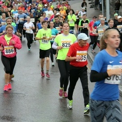 SEB Tallinna Maratoni Sügisjooks 10 km - Laura Jõgi (825), Anneli Riima (886), Bruno Filipozzi (1887)