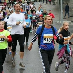 SEB Tallinna Maratoni Sügisjooks 10 km - Anneli Seppago (4388), Natalja Savitska (9188)