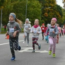 Paide-Türi rahvajooksu lastejooksud - Käti Kool (204), Adele Kotkas (209), Käroli Miller (297)