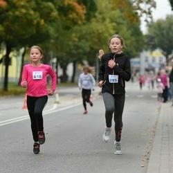 Paide-Türi rahvajooksu lastejooksud - Viktoria Pihlak (395), Inger Uutsalu (618)