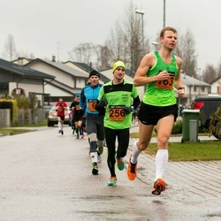 Tartu Novembrijooks - Avo Muromägi (163), Olari Orm (256)