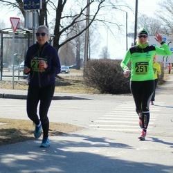 7. Tartu Parkmetsa jooks - Tiina Säälik (251), Annika Jukk (271)