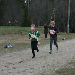 Sportland Kõrvemaa Kevadjooks - Erik Ilves (1033), Nele Juntson (1039)