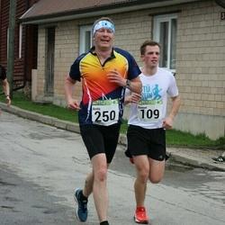89. Suurjooks ümber Viljandi järve - Romet Sutt (109), Arnis Sulmeisters (250)