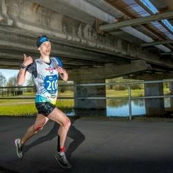 Vägilase jooks Tartu - Aaron Kais (200)