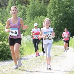 42. ümber Harku järve jooks - Laura Rahe (766), Adriana Anet Lauri (767)