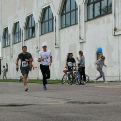 46. jooks ümber Ülemiste järve - Valdo Vahtrik (277), Arle Junolainen (409)