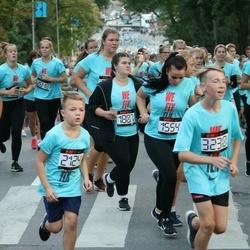 Nike Noortejooks/ We Run Tallinn - Brigita Põld (1554), Johanna-Maria Lõhmussaar (1807)