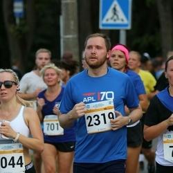 Tallinna Maratoni Sügisjooks 10 km - Geidi Kruusmann (753), Aleksandra Ruzanov (1044), Kimmo Kuznetsov (2319)