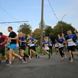 Tallinna Maratoni Sügisjooks 10 km - Arnold Viinamäe (5526), Indrek Univer (6662)