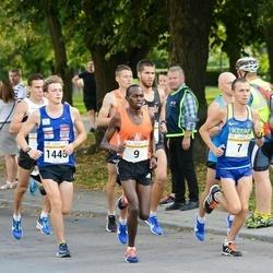 Tallinna Maratoni Sügisjooks 10 km - Yuriy Rusyk (7), Weldom Kerich (9), Mark Abner (1445)