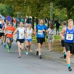 Tallinna Maratoni Sügisjooks 10 km - Lauri Monvelt (26), Steven Rehelem (5915)