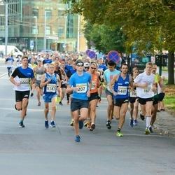 Tallinna Maratoni Sügisjooks 10 km - Markus Lepmets (207), Agu Lehemaa (5187), Kaspar Päärson (6066), Ahto Tatter (6441)