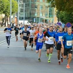 Tallinna Maratoni Sügisjooks 10 km - Rauno Arike (124), Robert Schmidt (127), Jaanus Urb (450)