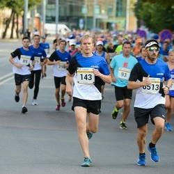 Tallinna Maratoni Sügisjooks 10 km - Argo Miller (143), Simone D'angiulli (6513)