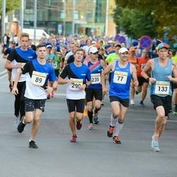 Tallinna Maratoni Sügisjooks 10 km - Christjan Lään (77), Aleksei Tuvi (89), Christopher Christjan Lään (290)