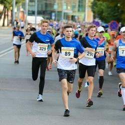 Tallinna Maratoni Sügisjooks 10 km - Aleksei Tuvi (89), Christopher Christjan Lään (290), Ergo Kula (329)
