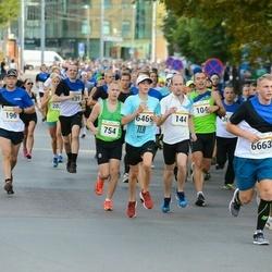 Tallinna Maratoni Sügisjooks 10 km - Rene Kannel (144), Kaido Paju (196), Siim Sarapu (754), Rasmus Paal (6469), Anvar Sild (6663)