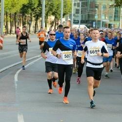 Tallinna Maratoni Sügisjooks 10 km - Reemet Vanaveski (507), Aleksei Ogarkov (6698)