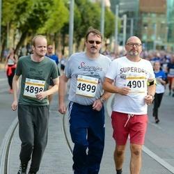 Tallinna Maratoni Sügisjooks 10 km - Esa Toikka (4898), Ari Ollila (4899), Marko Pikkarainen (4901)