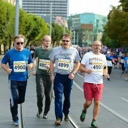 Tallinna Maratoni Sügisjooks 10 km - Esa Toikka (4898), Ari Ollila (4899), Teijo Myllylä (4900), Marko Pikkarainen (4901)