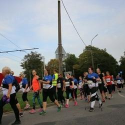 Tallinna Maratoni Sügisjooks 10 km - Agnes Pärnamägi (8376), Raili-Jaanika Rhede (9327), Katri Säkki (9329)