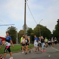 Tallinna Maratoni Sügisjooks 10 km - Anna Navay (10089), Karl Hütt (10992)