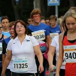 Tallinna Maratoni Sügisjooks 10 km - Meribel Merilo (9408), Anna Mirotvortseva (11325)