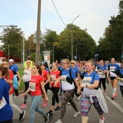 Tallinna Maratoni Sügisjooks 10 km - Anastasia Suvorova (4823), Karin Õue (8085), Arle Kõressaar-Vallimaa (8098), Silja-Irene Puks (8768), Krista Puks (8810), Ingrid Saar (9020)
