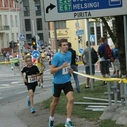 Tallinna Maratoni Sügisjooks 10 km - Aarne Nirk (178), Rico Soots (549)