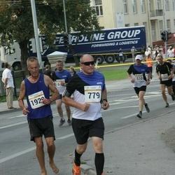 Tallinna Maratoni Sügisjooks 10 km - Boriss Burkov (779), Alar Peek (1922)