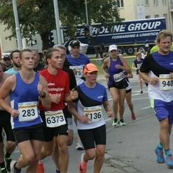 Tallinna Maratoni Sügisjooks 10 km - Aleksei Jašin (283), Annely Kaur (1136), Juri Ponomarenko (6373)