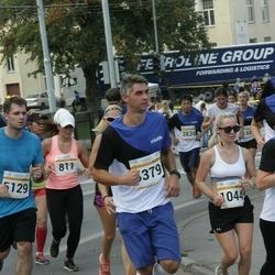 Tallinna Maratoni Sügisjooks 10 km - Oksana Kitral (811), Aleksandra Ruzanov (1044), Marko Udras (5129)