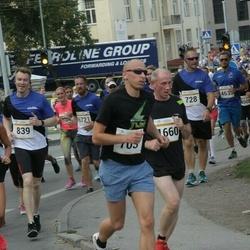 Tallinna Maratoni Sügisjooks 10 km - Riivo Pärnapuu (703), Arnold Himma (728), Harri Reiman (839), Peeter Uustal (1660)
