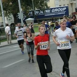 Tallinna Maratoni Sügisjooks 10 km - Aare Luhaäär (1427), Anna Bärling (2300)