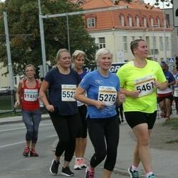 Tallinna Maratoni Sügisjooks 10 km - Karin Talalaev (5276), Agnes Talalaev (5461), Teele Aaslaid (5521)
