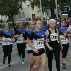 Tallinna Maratoni Sügisjooks 10 km - Cätrin Rikka (5495), Minna Mourujärvi (6682)
