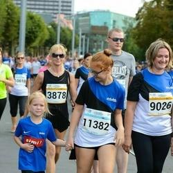 Tallinna Maratoni Sügisjooks 10 km - Maris Kurvits (3878), Merle Parvei (9026), Berit Rahe (11382)