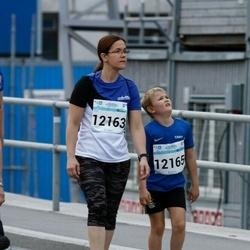 Tallinna Maratoni Sügisjooks 10 km - Kristiina Kindel (12163), Taavi Põld (12165)