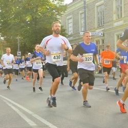 Tallinna Maratoni Sügisjooks 10 km - Aare Saliste (320), Ivo Jussmann (430)