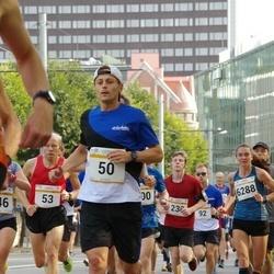 Tallinna Maratoni Sügisjooks 10 km - Andreas Veeret (50), Ole Morten Korsmo (53), Brit Rammul (6288)