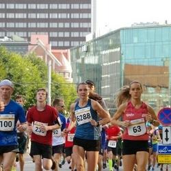 Tallinna Maratoni Sügisjooks 10 km - Katrina Stepanova (63), Madis Kuznetsov (100), Brit Rammul (6288)