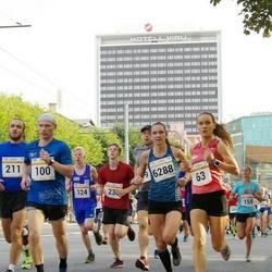 Tallinna Maratoni Sügisjooks 10 km - Katrina Stepanova (63), Madis Kuznetsov (100), Rauno Arike (124), Nils Joonas Põldme (211), Ülo-Jürgen Russak (230), Brit Rammul (6288)
