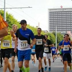Tallinna Maratoni Sügisjooks 10 km - Oliver Vihmann (86), Aare Randma (577)