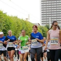 Tallinna Maratoni Sügisjooks 10 km - Annabel Pern (3115), Kira Beliaeva (3909), Mari-Ly Häitson (4345)