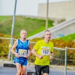 Tallinna Maratoni Sügisjooks 10 km - Kaupo Uuetoa (157), Agu Lehemaa (5187)